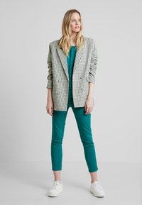 Soyaconcept - SC-THILDE - Blouse - ivy green - 1