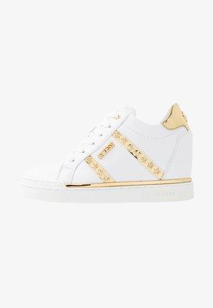 FAYNE - Zapatillas - white/gold