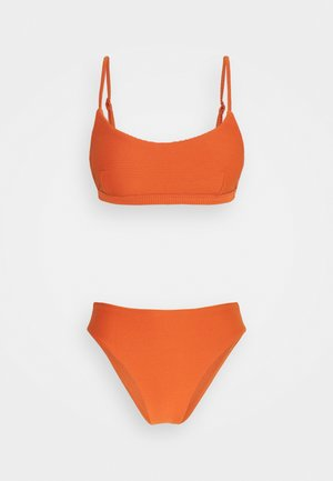 ESSENTIALS BRALETTE HIGH WAISTED PANT - Bikini bottoms - pumpkin