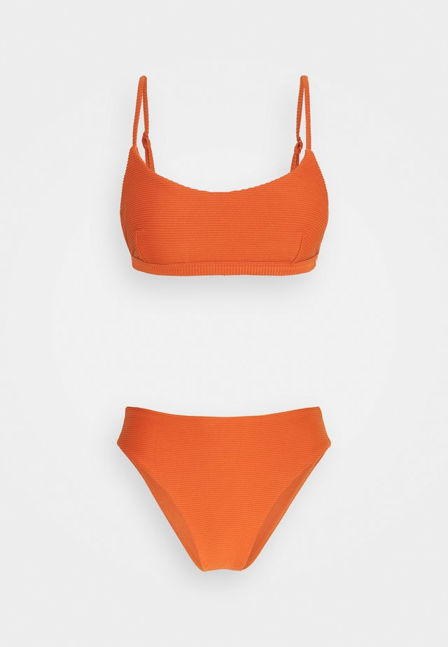 ESSENTIALS BRALETTE HIGH WAISTED PANT - Bikini - pumpkin