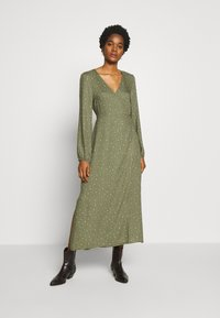 Cotton On - WRAP LONG SLEEVE MIDI DRESS - Kjole - green - 0