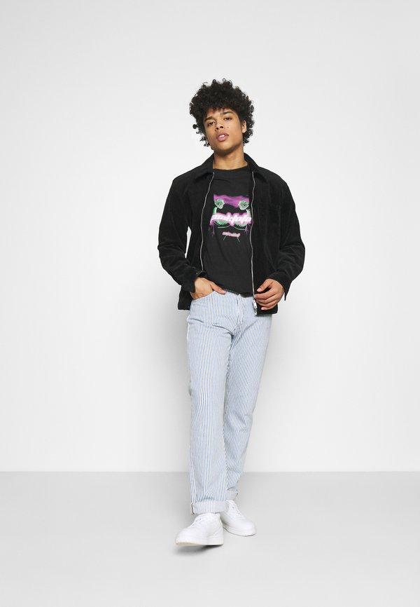 Night Addict SPEAK TO FEW - T-shirt z nadrukiem - black/czarny Odzież Męska XMTR