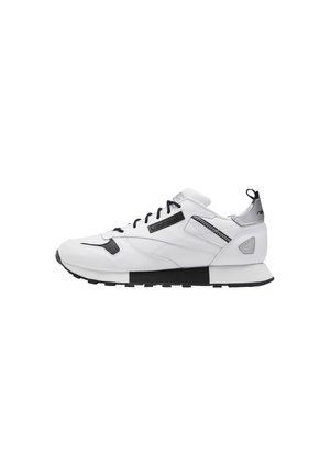 CLASSIC LEATHER REE:DUX SHOES - Trainers - white