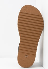 Felmini - KAREN - Sandály na platformě - black - 6