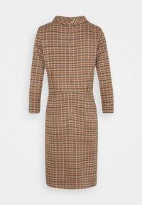 More & More - DRESS SHORT - Sukienka etui - soft caramel multicolor - 1