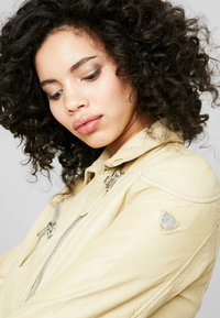 Gipsy - PGG LABAGV - Leather jacket - pale yellow - 5