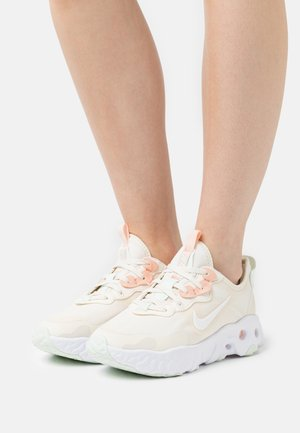 REACT ART3MIS - Sneakersy niskie - pale ivory/white/crimson tint/barely green