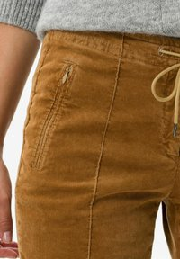 BRAX - STYLE MAREEN - Trousers - faded caramel - 3