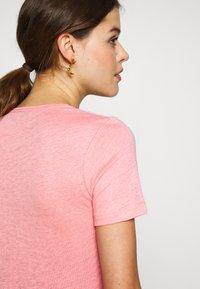 CLOSED - WOMEN - Jednoduché triko - camellia - 4