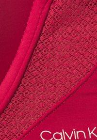 Calvin Klein Underwear - PERFECTLY FIT FLEX PLUNGE - Push up -rintaliivit - deep sea rose - 2