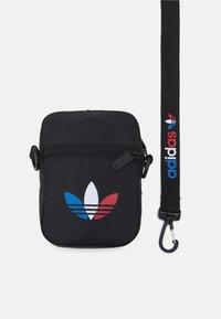 adidas Originals - TRICOL FEST BAG UNSISEX - Taška spříčným popruhem - black - 3