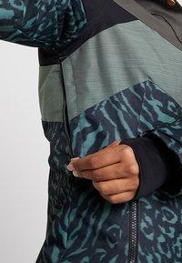 Brunotti - JUNGLEFOWL WOMEN SNOWJACKET - Snowboard jacket - pine grey - 7