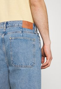 BDG Urban Outfitters - Slim fit jeans - bleach - 4