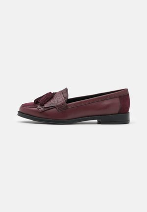 LUSTER FRINGE LOAFER - Instappers - oxblood