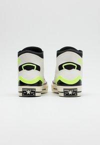 Converse - CHUCK TAYLOR ALL STAR 70 - Zapatillas altas - egret/ghost green/black - 2