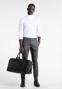 Still Nordic - CLEAN BAG - Bolsa de fin de semana - black - 1