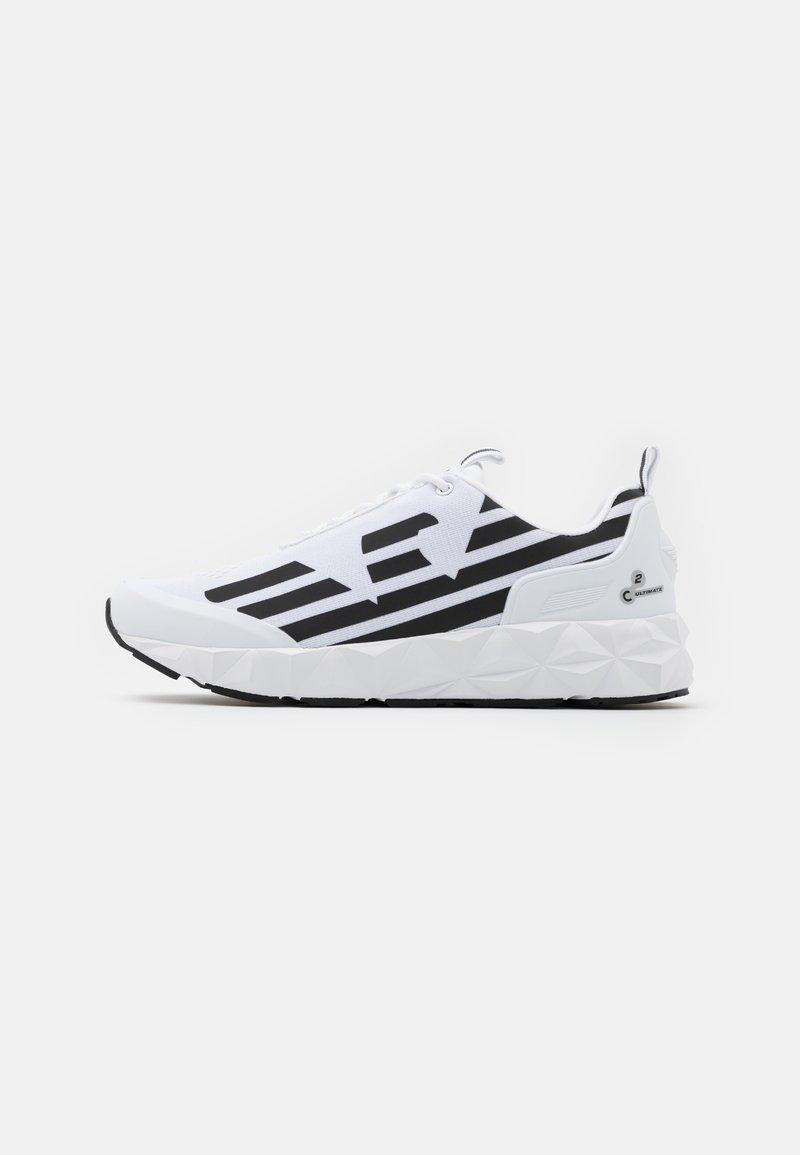EA7 Emporio Armani - UNISEX - Sneakersy niskie - white/black