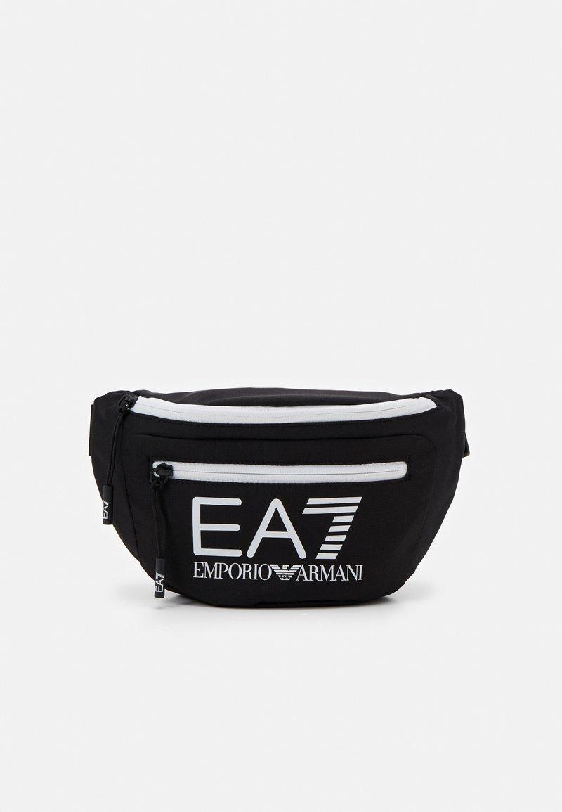 EA7 Emporio Armani - BELT BAG UNISEX - Ledvinka - black/white