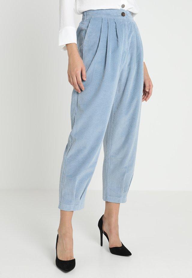 SIDESTEP TROUSERS - Kalhoty - blue