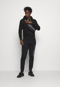 Champion - ROCHESTER HOODED  - Hoodie - black - 1