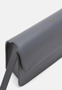 PB 0110 - Across body bag - asphalt - 3