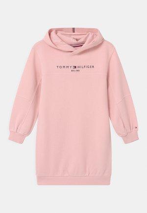 ESSENTIAL HOODIE - Vestito estivo - delicate pink