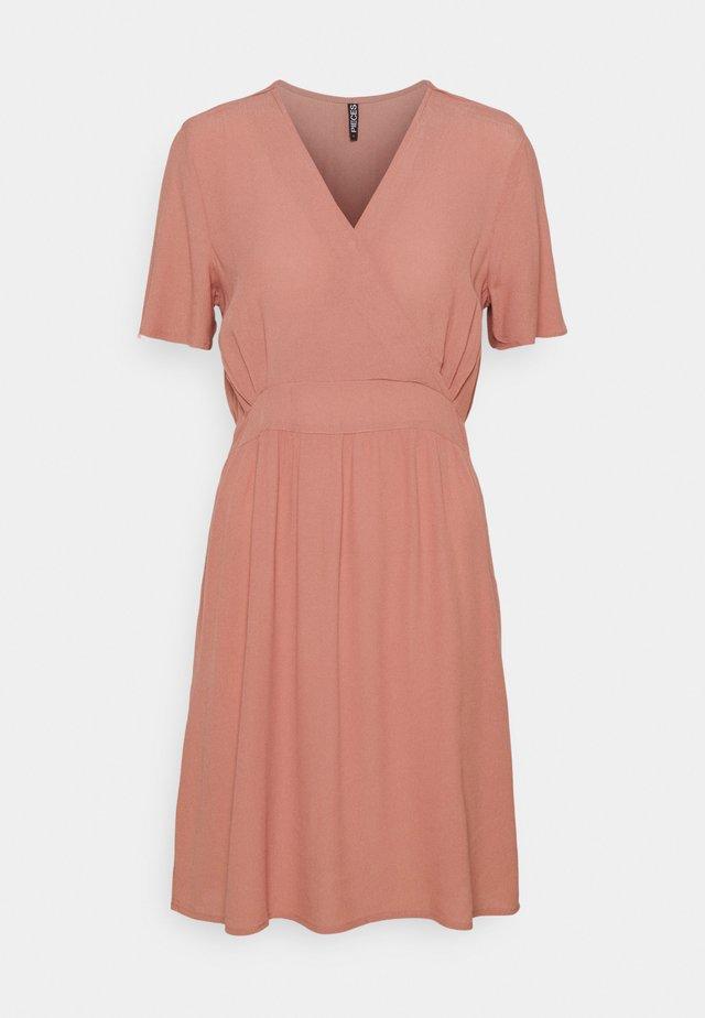 PCGINNIE DRESS - Korte jurk - canyon rose