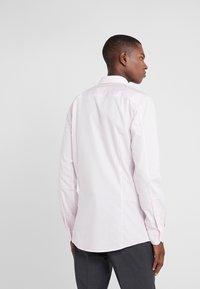 HUGO - ELISHA - Zakelijk overhemd - rosa - 2