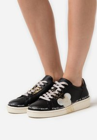 MOA - Master of Arts - GRANMASTER - Sneakers laag - black - 0