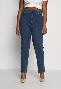 Wrangler Plus - PLUS - Straight leg jeans - dark blue - 0