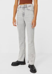 Stradivarius - IM STRAIGHT-FIT - Straight leg jeans - grey - 0