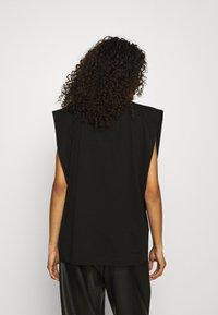 ARKET - Basic T-shirt - black - 2