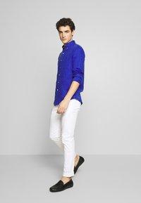 Polo Ralph Lauren - PIECE DYE - Skjorter - summer royal - 1