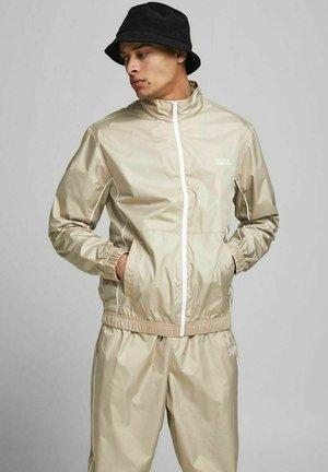 Training jacket - crockery
