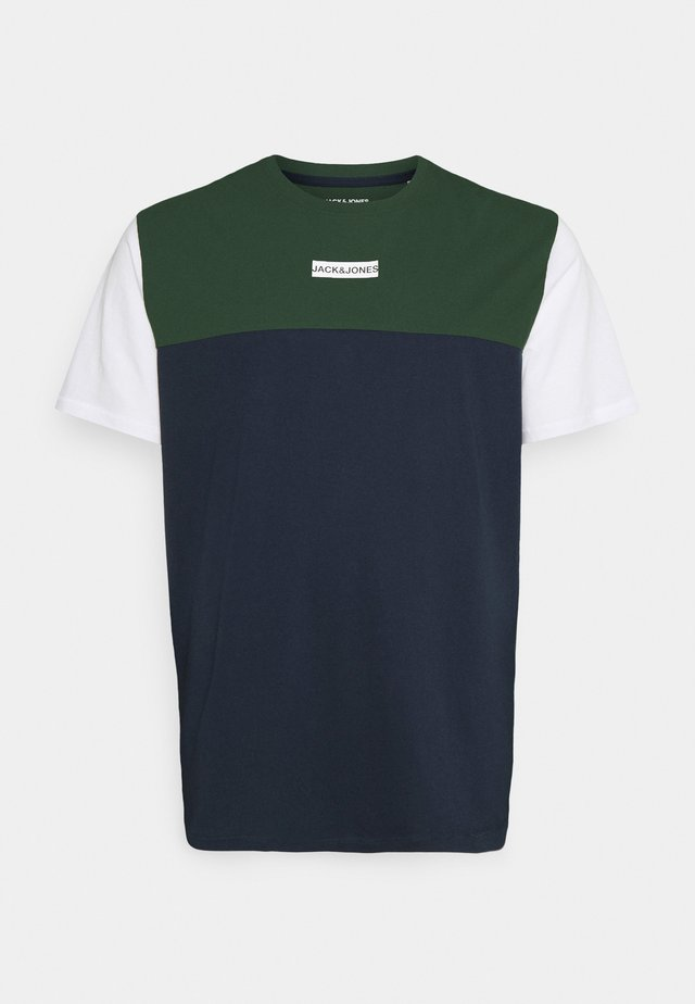JCOBLOCKS TEE CREW NECK - Camiseta estampada - darkest spruce
