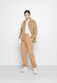 Missguided - Tracksuit bottoms - camel - 1
