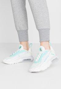 Nike Sportswear - AIR MAX 2090 - Trainers - sail/black/green/summit white - 0