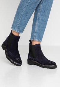 Pinto Di Blu - Classic ankle boots - bleu - 0