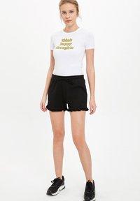 DeFacto - Shorts - black - 1