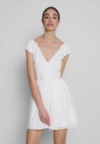 Nly by Nelly - UPPER DRESS - Sukienka letnia - white - 0