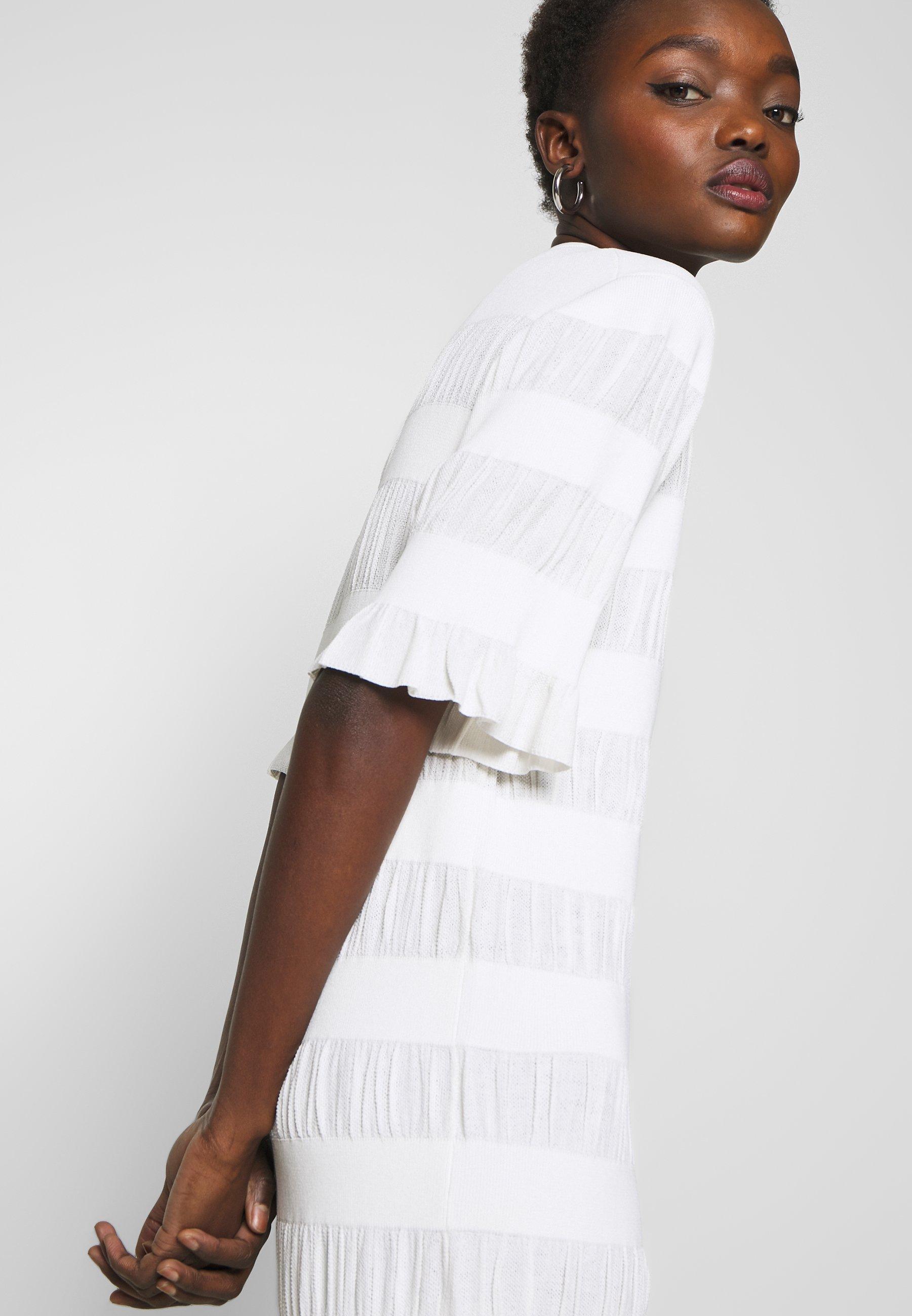By Malene Birger HELOSIS Stickad klänning soft white