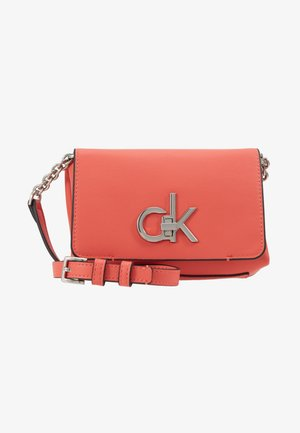 RE-LOCK FLAP CROSSBODY  - Across body bag - red
