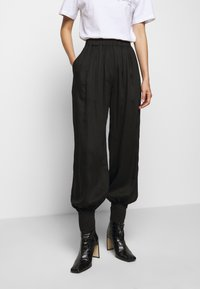 Mother of Pearl - ELASTICATED TROUSER WITH CUFF HEM - Trousers - black - 3