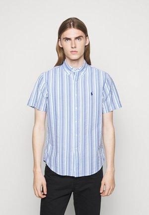 SEERSUCKER - Košile - blue/white