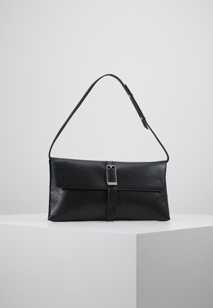 WINGED SHOULDER BAG - Håndtasker - black