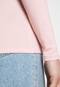 Marks & Spencer London - FITTED V NECK - Longsleeve - light pink - 5