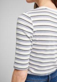 s.Oliver - Print T-shirt - lilac stripes - 4