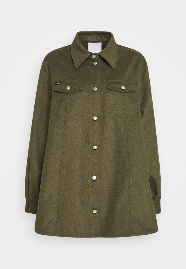 ODETTE - Lehká bunda - teak melange