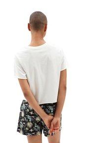 Vans - WM BLOZZOM ROLL OUT - Print T-shirt - marshmallow - 1