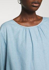 Selected Femme - SLFGILLI SHORT DRESS - Denim dress - light blue - 5